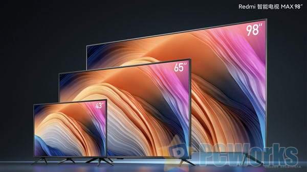 Redmi智能电视98英寸MAX有多大:小姐姐站摸够不到